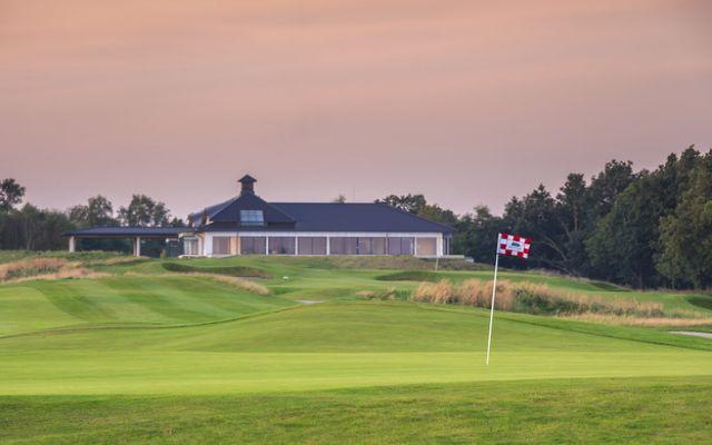 Modry Las Golf 1